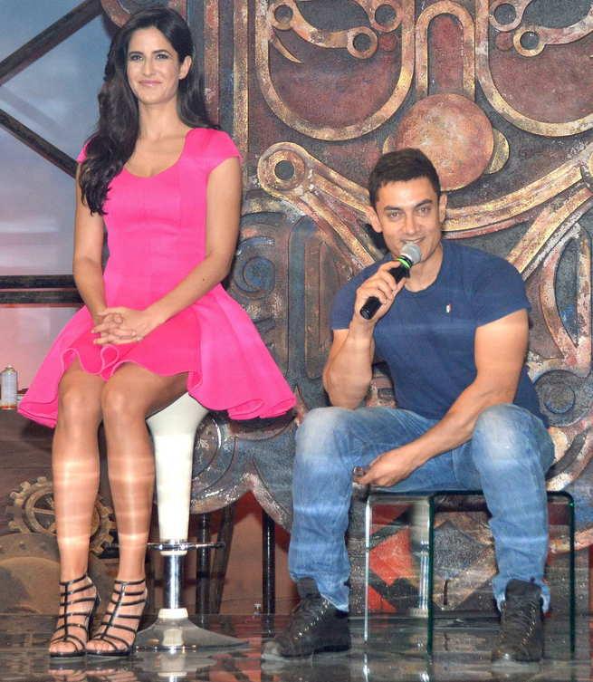 Katrina Kaif in pink dress with Aamir Khan