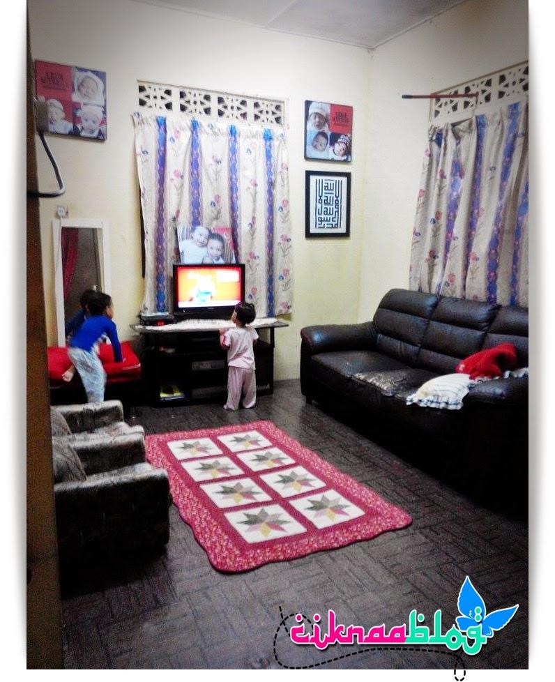 Ni Ruangtamu Rumah Ciknaa Memang Tak Boleh Masuk Banyak Barang Sempit Sangat Masa Beli Sofa Tu Dulu Mintak Nak 3 Seater Je Eh Gambar