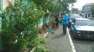 Jumat Bersih di Lingkungan Kantor Kemenag Majalengka