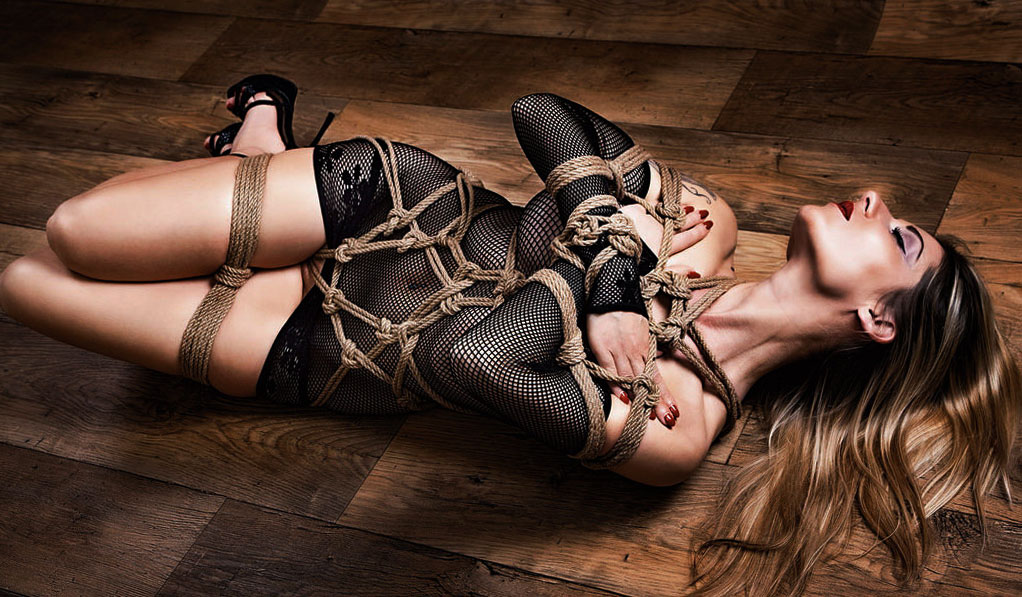 dominatriz dominada sexual masoquismo bondage