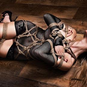 dominatriz dominada sexual masoquismo bondage