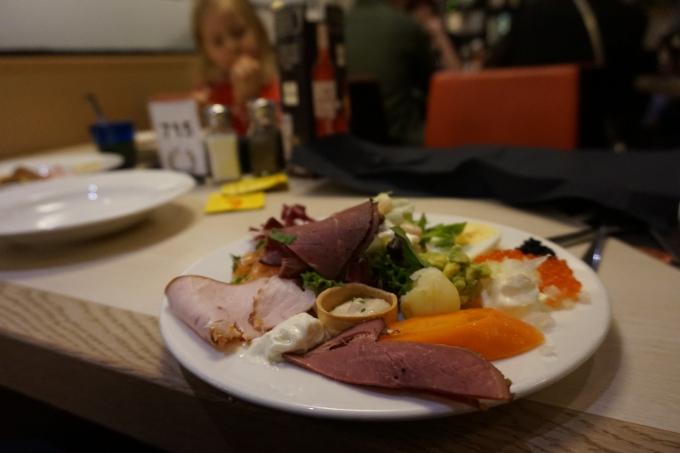 Silja Symphony kokemuksia Muumi-hytistä ja buffetista / Lasten kanssa tekemistä Tukholman-risteilyllä
