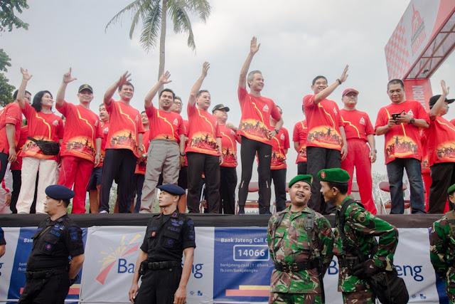 Kehadiran Gubernur Jateng di borobudur 10 K 2015