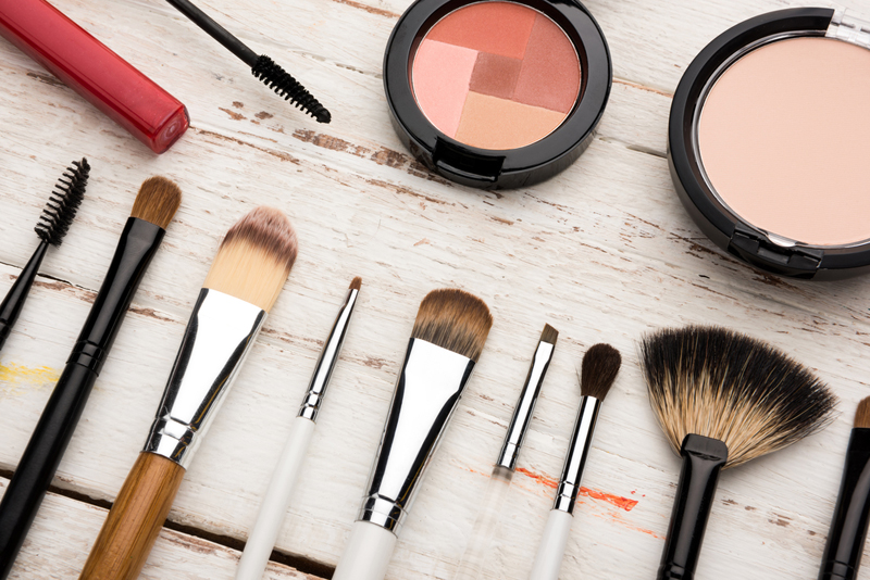 Makeup mistakes that fade your face