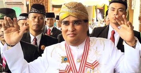 Pengikut Dimas Kanjeng Tantang Jokowi Untuk Lihat Cara Dimas Kanjeng Taat Pribadi Gandakan Uang