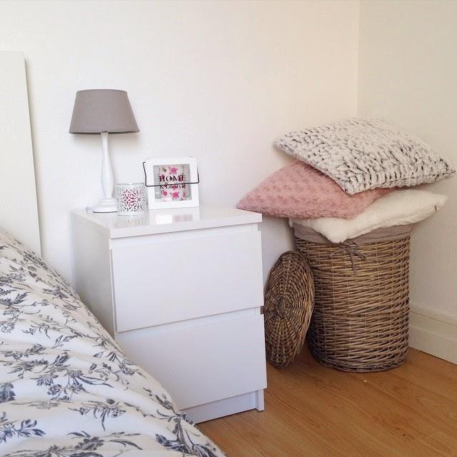 decoration murale action. Black Bedroom Furniture Sets. Home Design Ideas