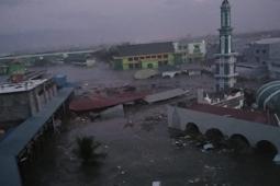 Gempa dan Tsunami di Sulawesi Tengah, Ada Keluarga yang Hilang di Pantai dan Tertimpa Bangunan