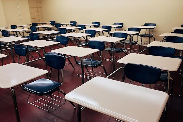 Uderzyła mnie nauczycielka. Wspomnienia szkolnych lat. Część 1: Podstawówka