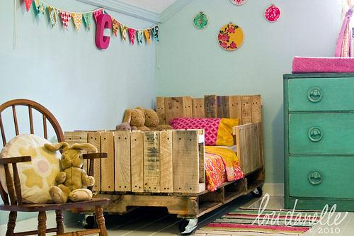 Blog de decorar 20 camas feitas do maravilhoso pallet - Como hacer una cama infantil ...