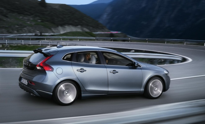 Volvo V40 from the side