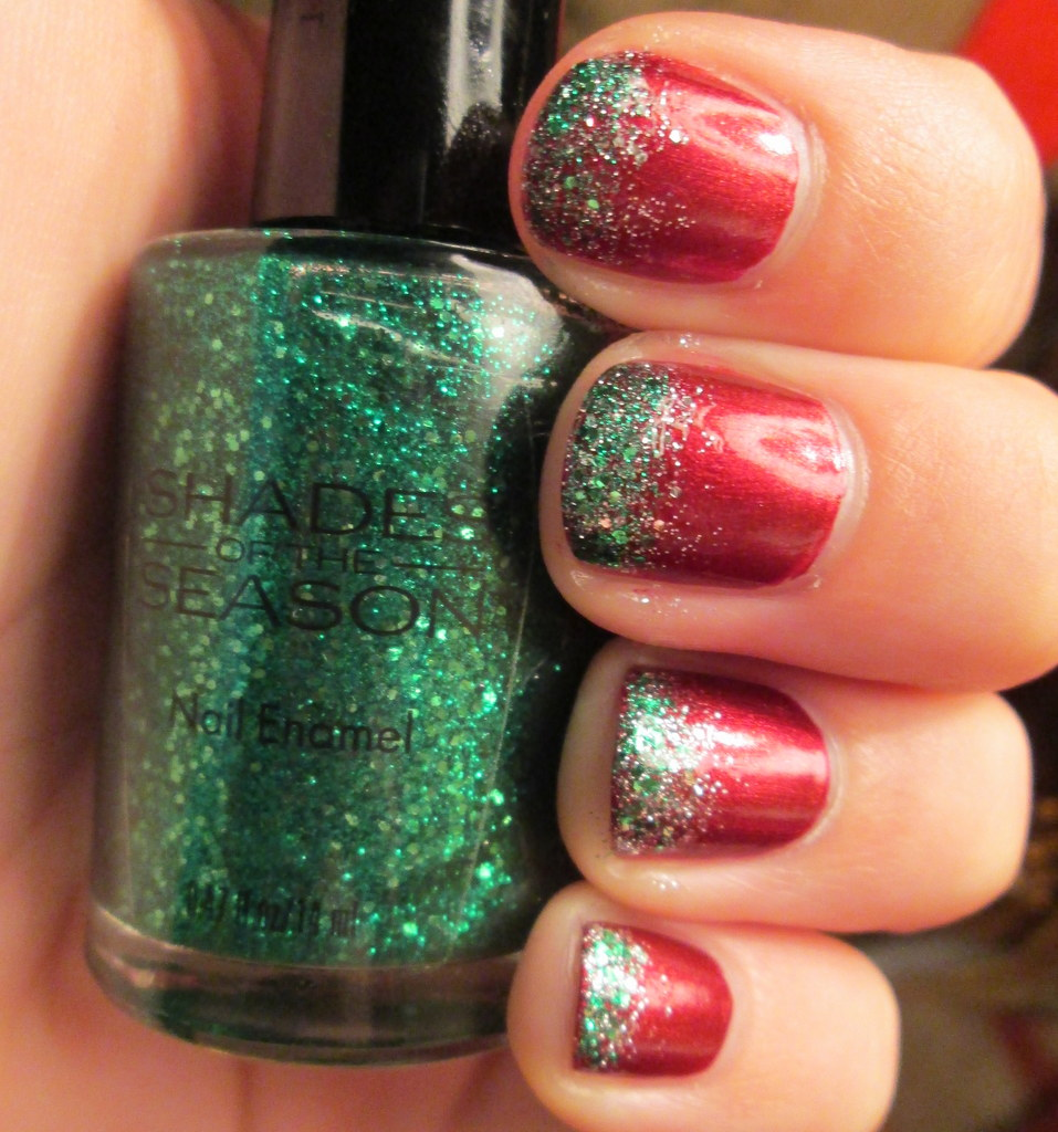 Christmas Nails With Glitter: Steezy's Beauty Blog: My Christmas Nails! Shades Of The