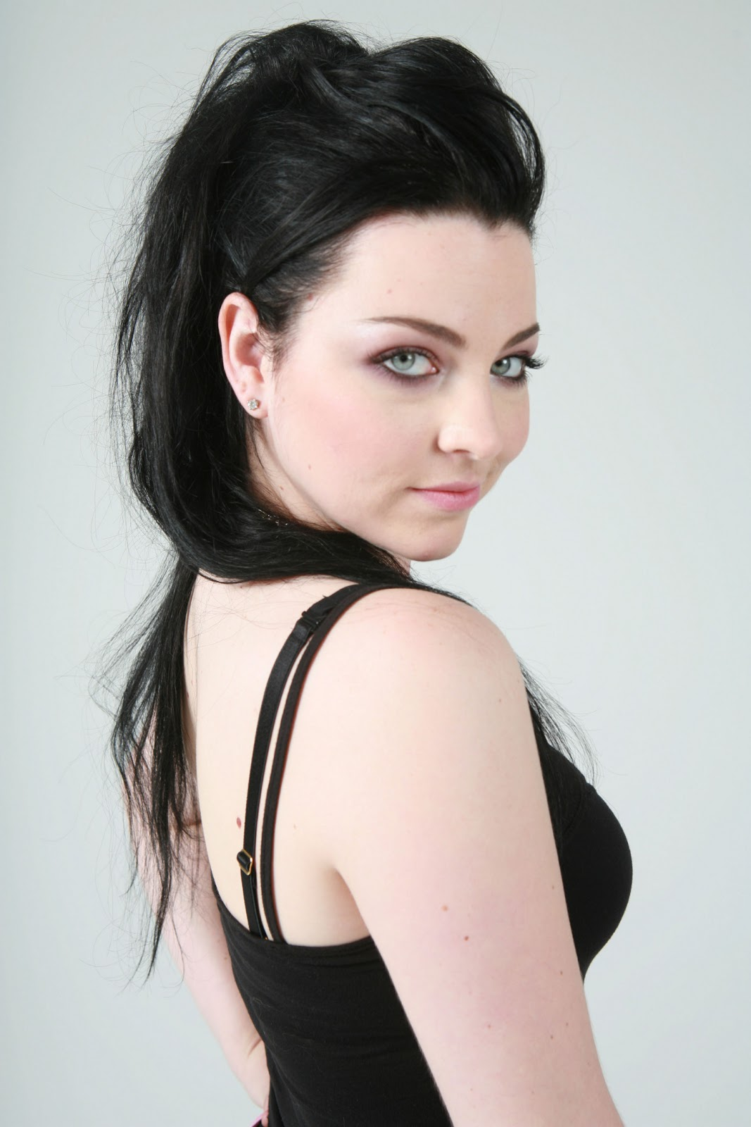 amy lee facebook official relationship
