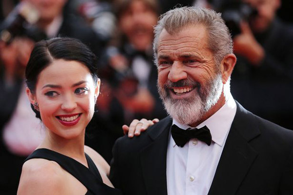 Rosalind-Ross-and-Mel-Gibson