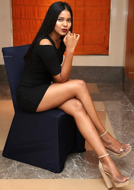 Debbie sexy naked slim leg in black micro mini skirt xxx HD photos