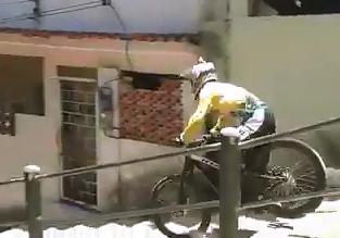 Brutal Caida de un Ciclista