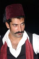 Cesur ve yiğit bir fesli delikanlı, Son Osmanlı Yandım Ali, Kenan İmirzalıoğlu
