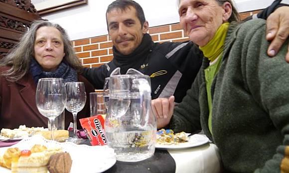 Makan di Restoran Ini, Pengunjung yang Kaya Traktir Makan Pengunjung Miskin