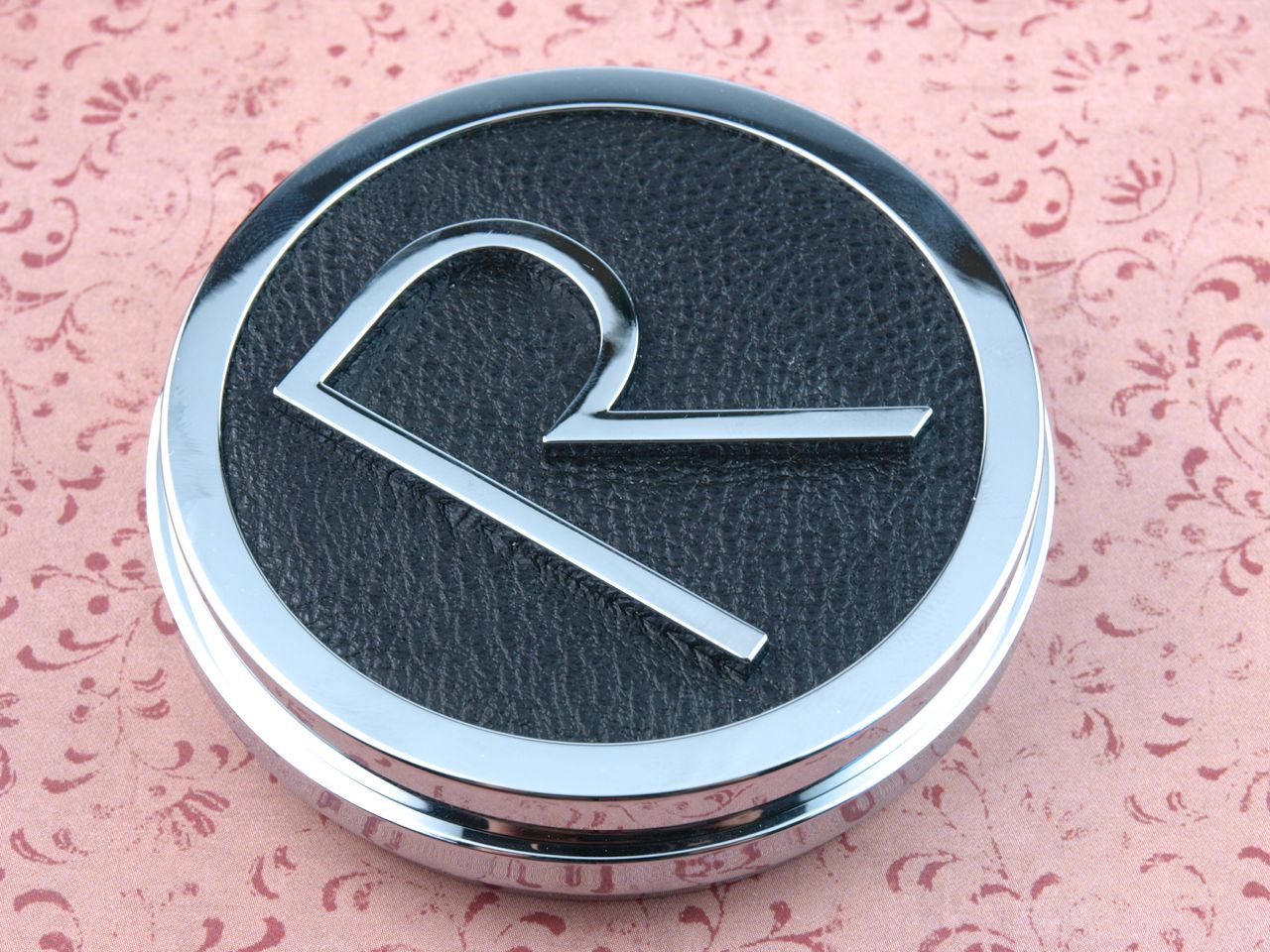 Rodial Instaglam Compact Deluxe Translucent HD Powder: Review