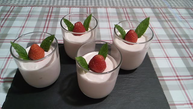 fraises menthe mascarpone crème chantilly mousse de fraises