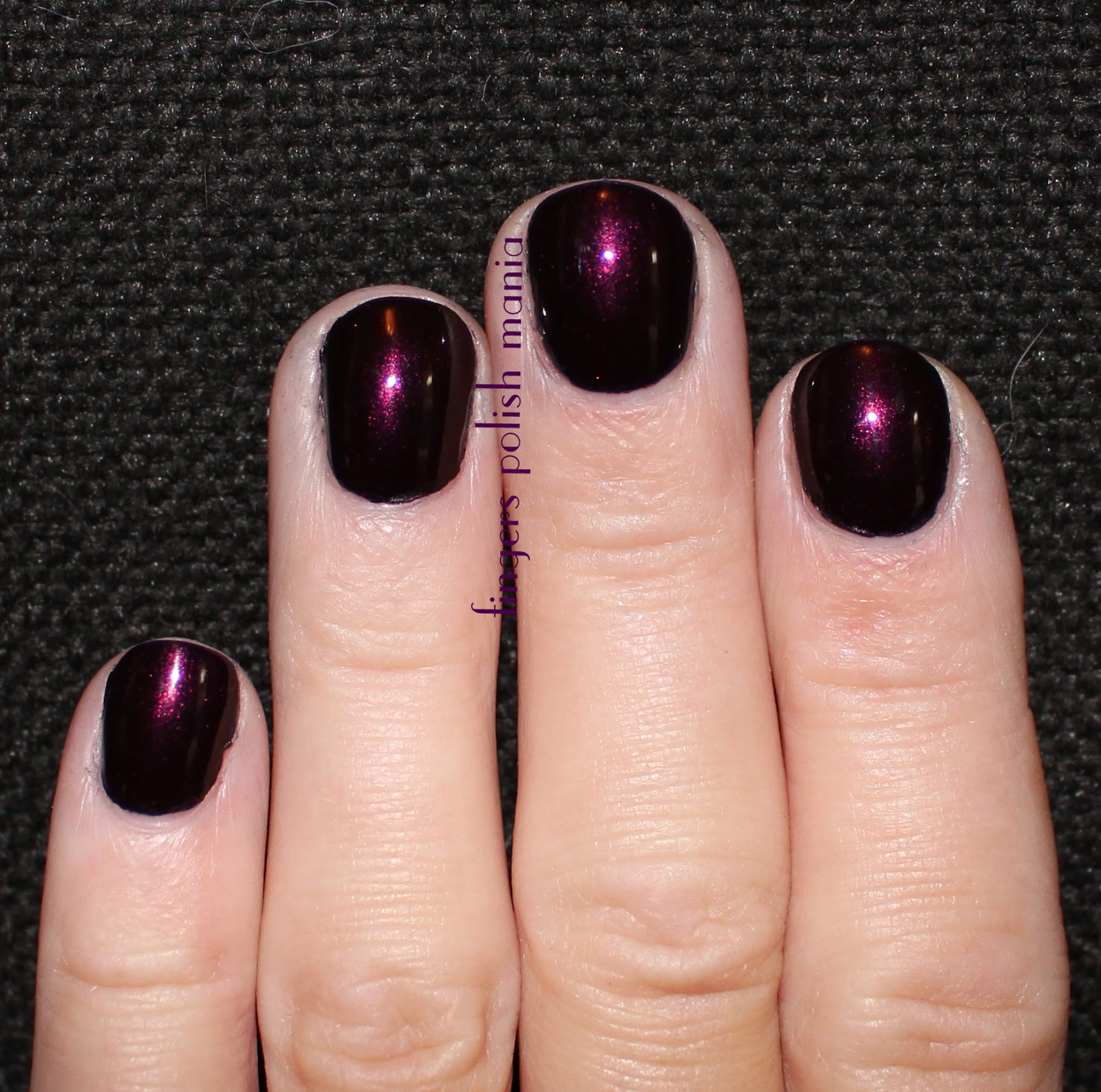 fingers polish mania: OPI Oktoberfest, Essie Alligator Purse