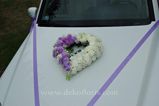Fioletowo biała dekoracja samochodu do ślubu Luboszyce Opole
