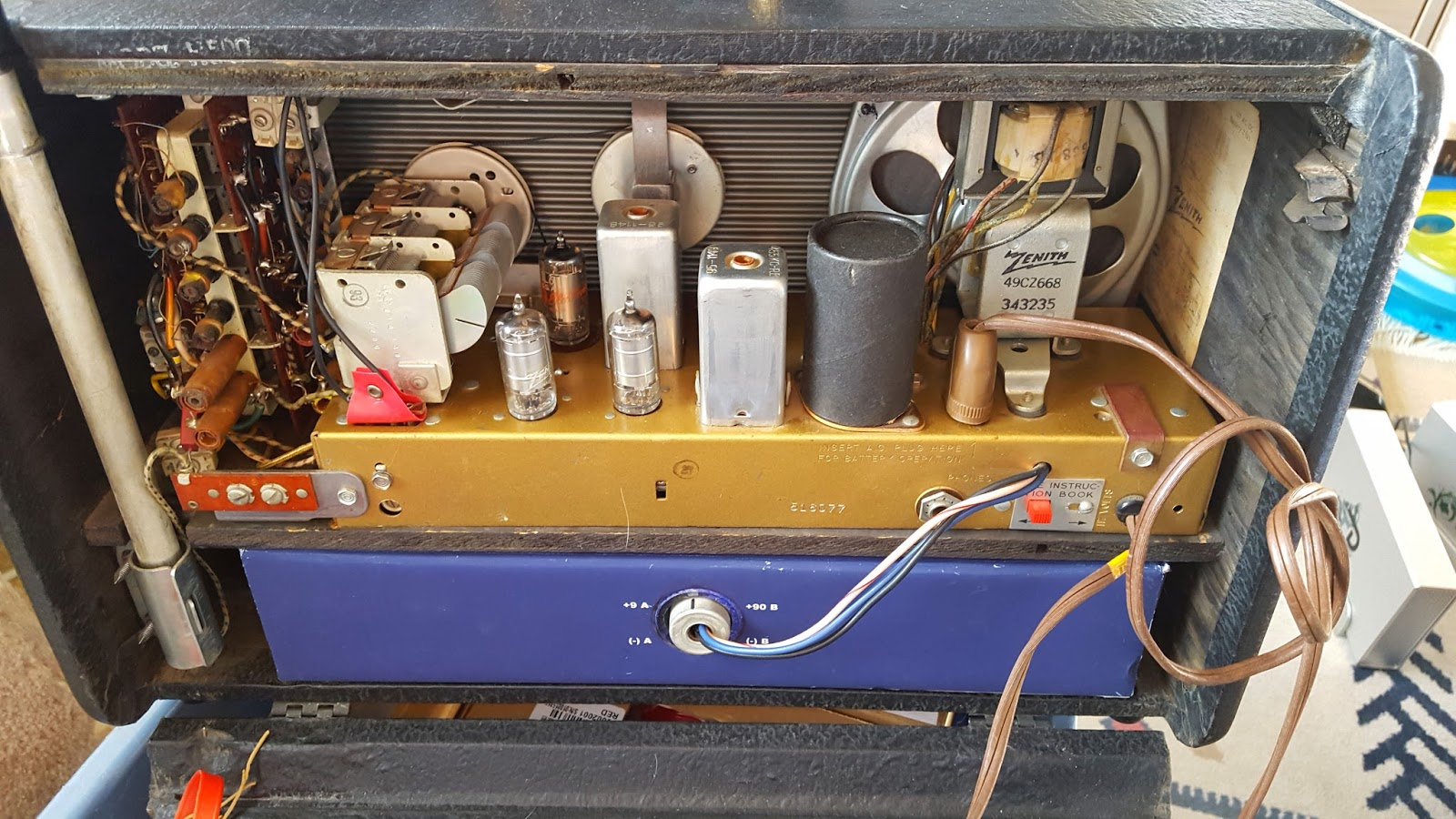 Ka7oei's Blog A Microcontrollerbased Ab Battery Replacement For. The Faux A400 Ab Battery Installed And Working In Zenith Trans Oceanic H500 Contained Therein Are Eight D Type Cells Circuitry. Wiring. Zenith Trans Oceanic Tube Radio Schematics At Scoala.co