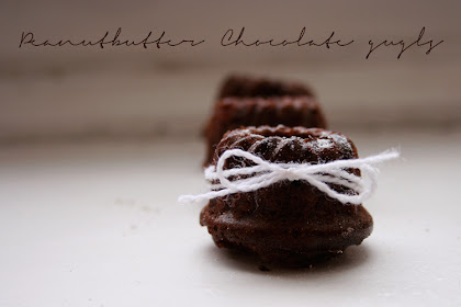 Heute wird fröhlich rumgeguglt {Peanutbutter Chocolate Mini Gugls}