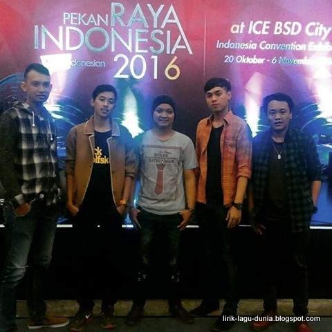 Motif Band 2017