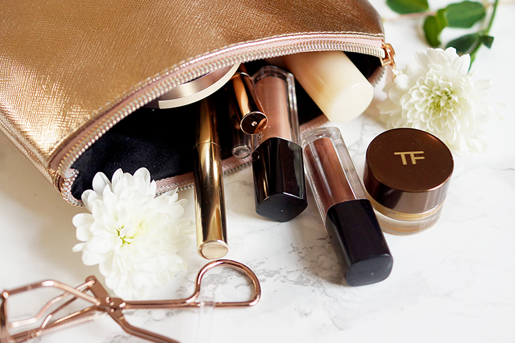 high-end-beauty-travel-makeup-bag-tom-ford-rose-gold