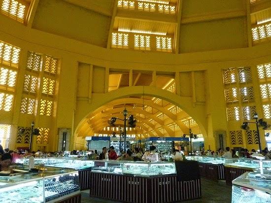 Chợ PhSa-Th-Mây
