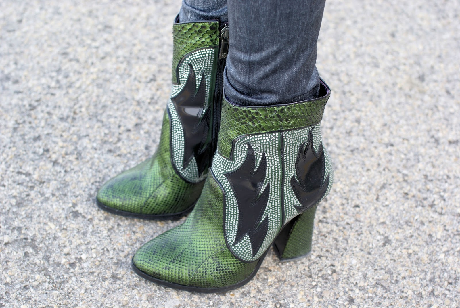 Roberto Botticelli cowboy boots on Fashion and Cookies fashion blog, fashion blogger style