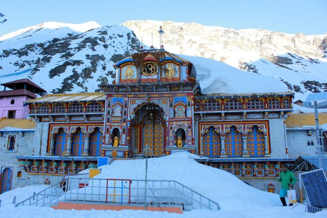 Badrinath Temple Covered In Snow