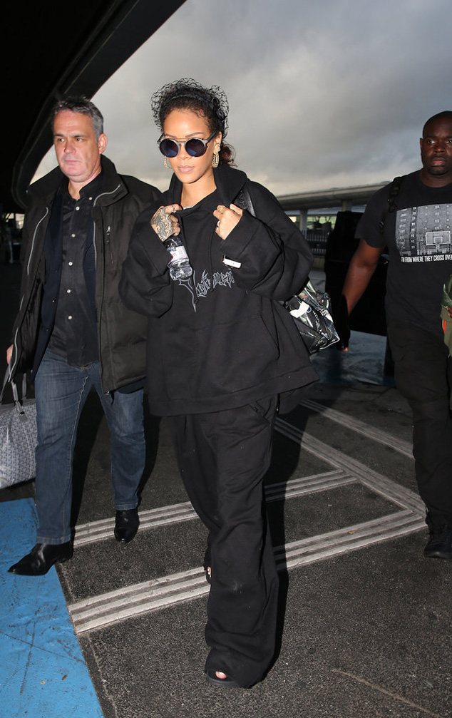 All black everything style Rihanna