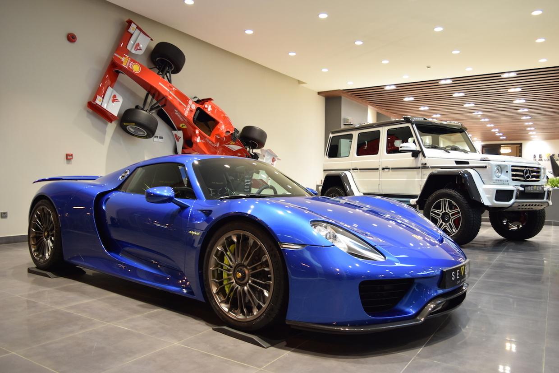 Porsche 918 Spyder xanh biển quyến rũ đẹp tuyệt vời