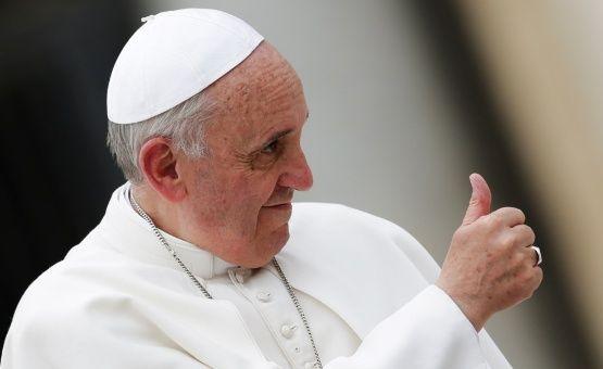 """Papa Francisco pide una Iglesia """"humilde"""" en primera misa del año"""