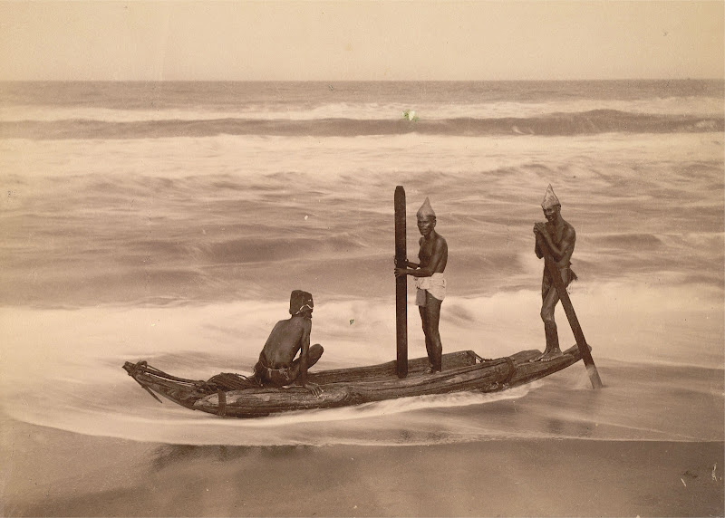 Three men on a catamaran near Madras (Chennai) - Tamil Nadu, Circa 1890