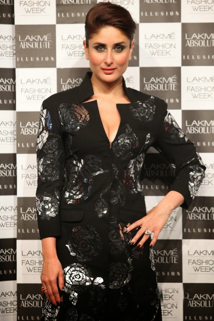 Kareena Kapoor Photos In Black Dress