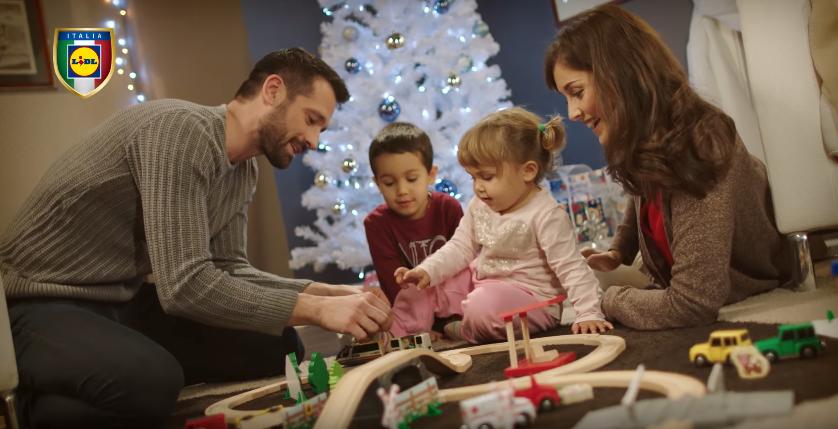 Canzone Lidl pubblicità lo senti ovunque intorno a noi sta arrivando il Natale - Musica spot Novembre 2016