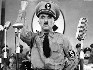 Kisah Charlie Chaplin Si Komedian Berkumis Yang Lugu