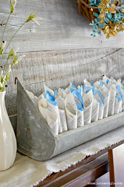 Use old book pages to make this easy DIY farmhouse decor! - One Mile Home Style