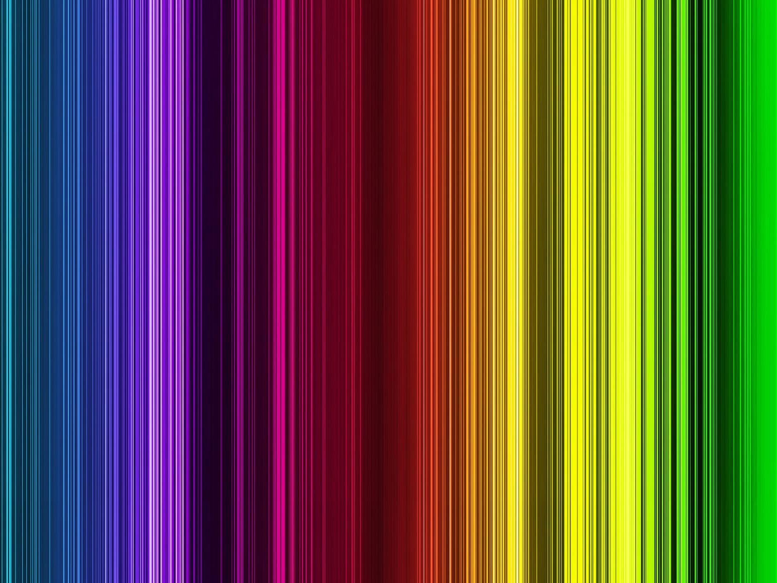 Dieciocho ruedas volvo apuesta al uso de colores - Colores llamativos ...