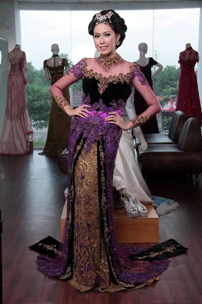 Koleksi Model Baju Kebaya Artis Soimah yang Khas dan Modern