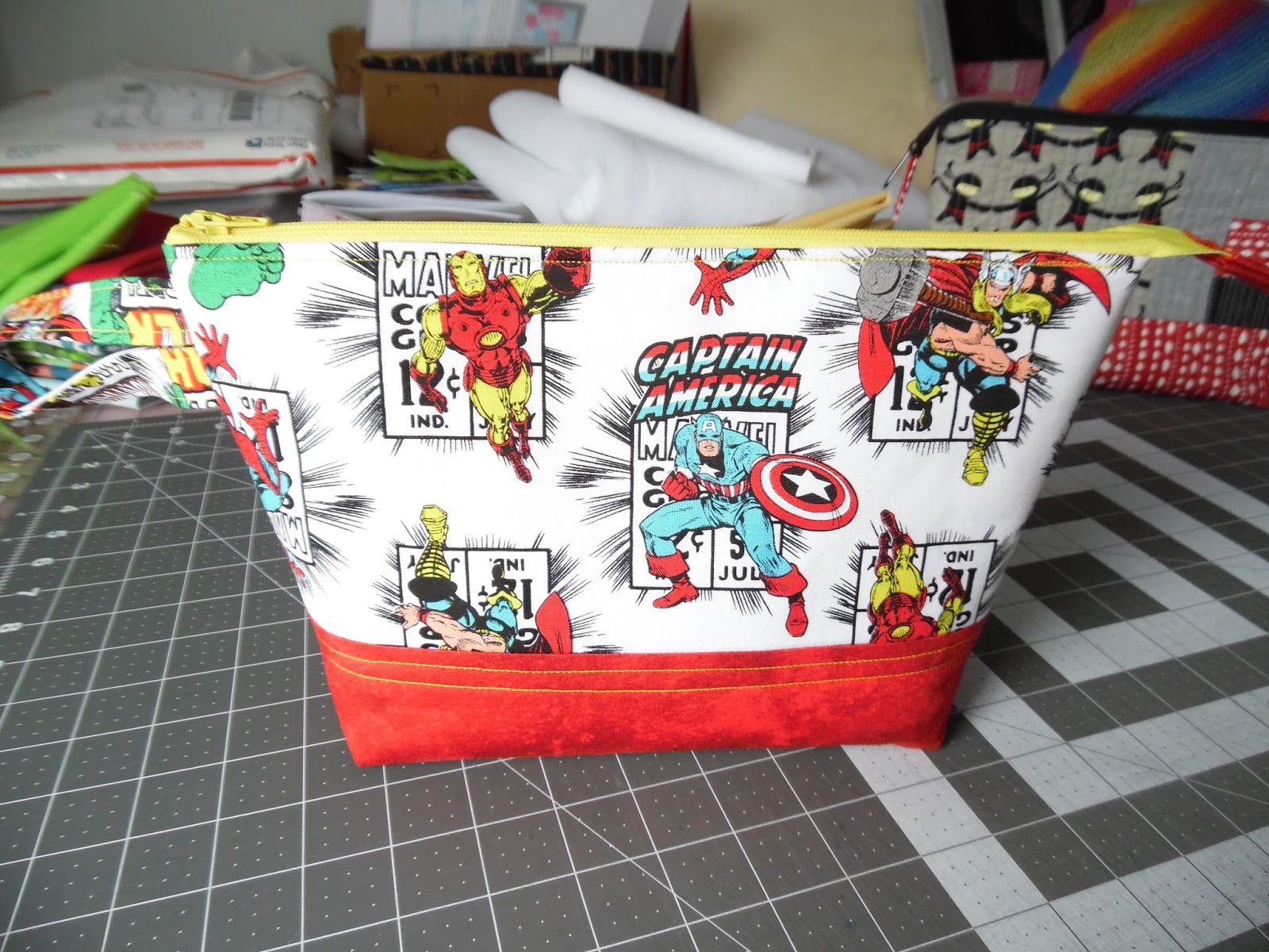 Becca's Crazy Projects: Sewing Up a Knitting Project Bag