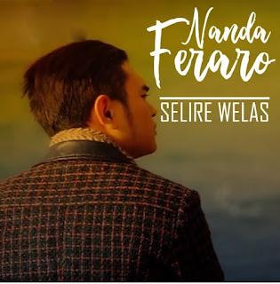 Nanda Ferraro, Selire Welas,