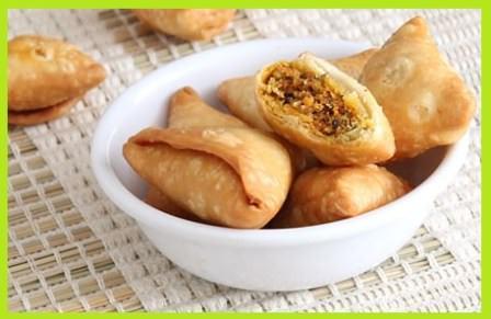 मूग दाल के समोसे रेसिपी - Moong Dal Mini Samosa Recipe hindi