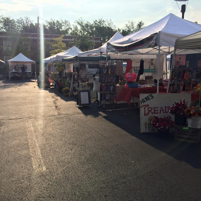 the Oakwood farmer's market operates during the summer only