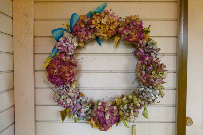 styling the seasons, november, styling the seasons november, wreath, hydrangea wreath, hydrangea, dried hydrangea wreath