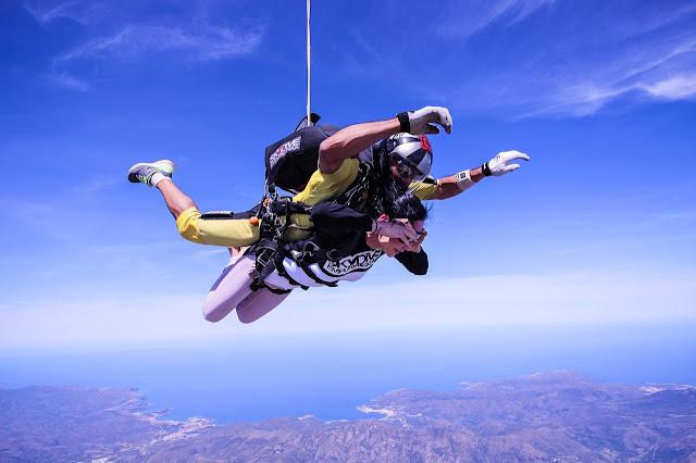 Sato de paracaídas en tandem