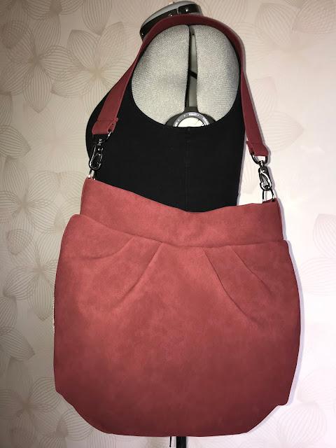 Fertige Falten-Hobo-Bag