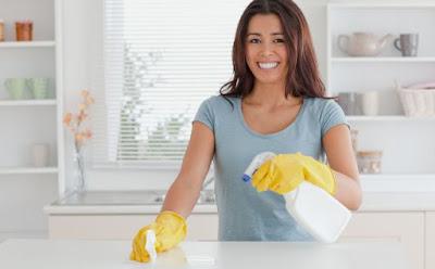 امرأة تنظف المطبخ التنظيف الاعمال المنزلية فتاة بنت تمسح  house woman girl cleaning kitchen home work